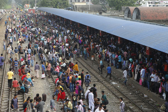 Mad rush of home-goers continues in Bangladesh