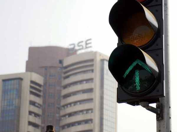 Sensex hits 2-month high on global cues