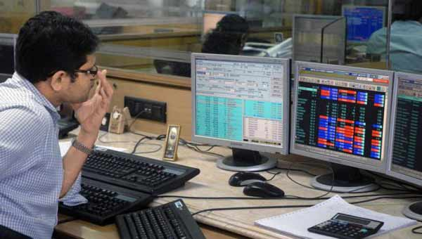 Sensex tanks 318 points, Nifty slumps to 9,030 as Trump jitters rattle global markets
